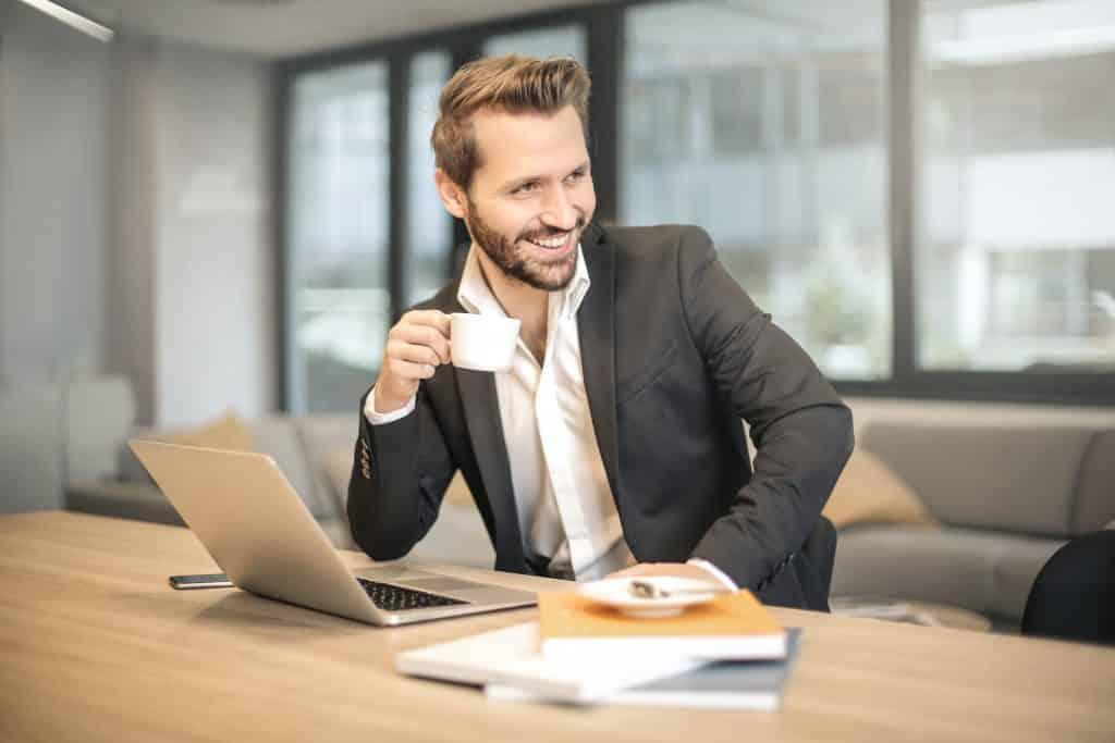 ÚSPEŠNÝ PREDAJ - Predajné a komunikačné zručnosti
